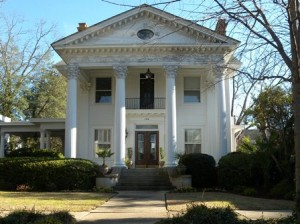 17 columned house