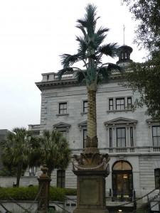 22 palmetto statue