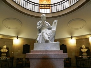 03 george statue 1