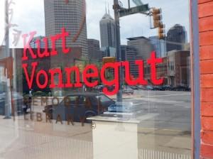 03 Vonnegut Library