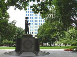 15 columbus statue