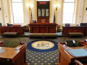 23 senate w desk seal