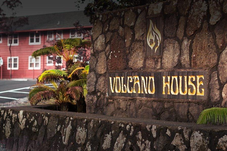 15.volcano house outside