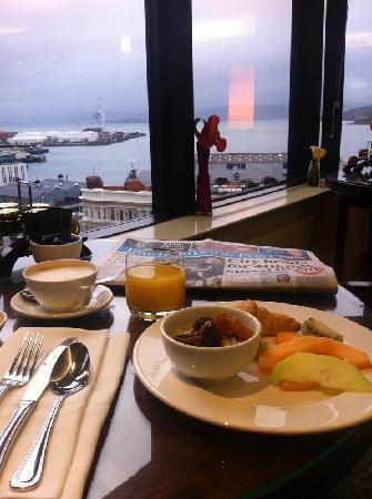 20.hotel breakfast