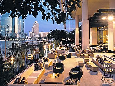 01.bangkok hotel dining