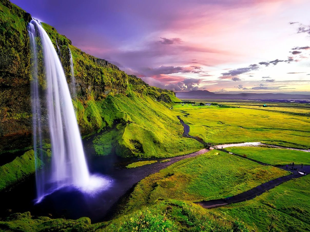10.waterfall